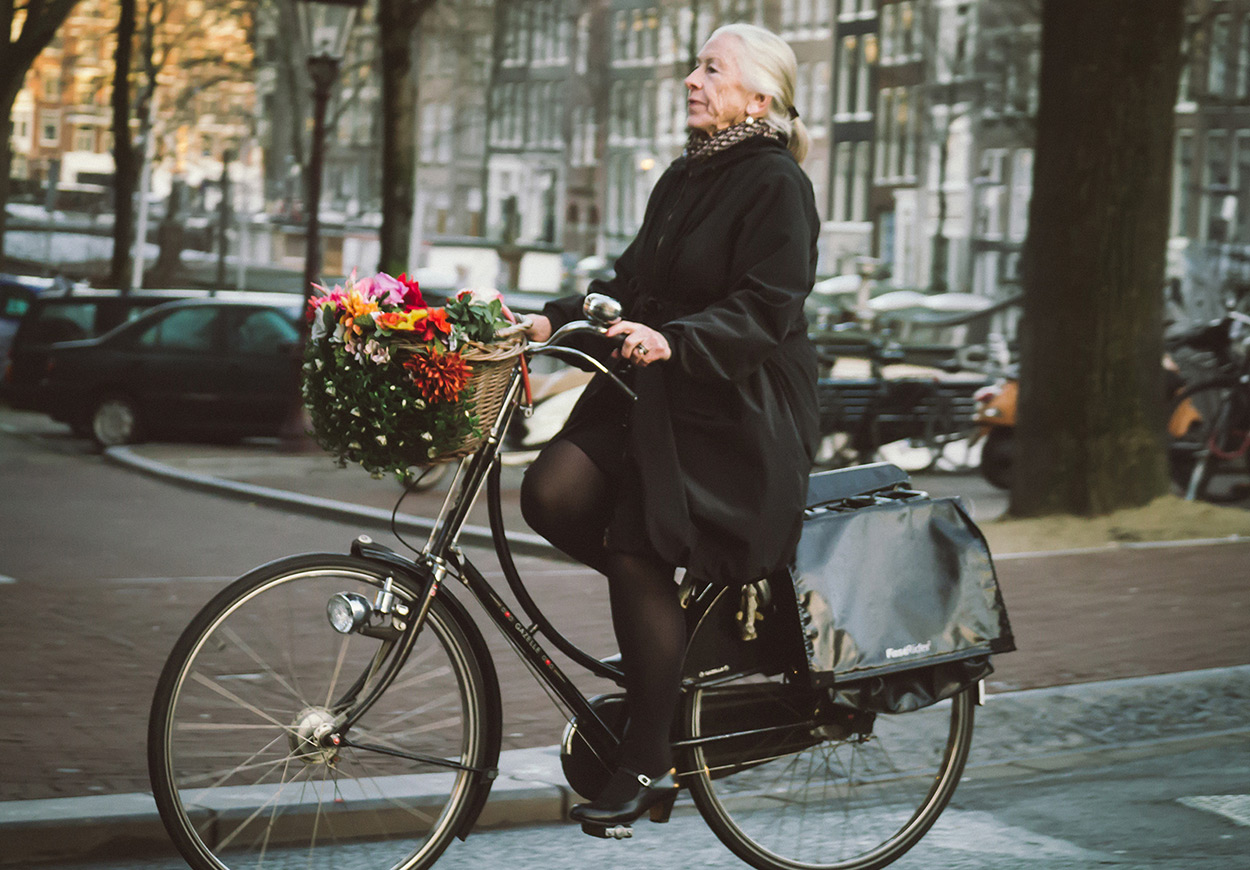 Prim and Proper | Bicycle Chic Amsterdam