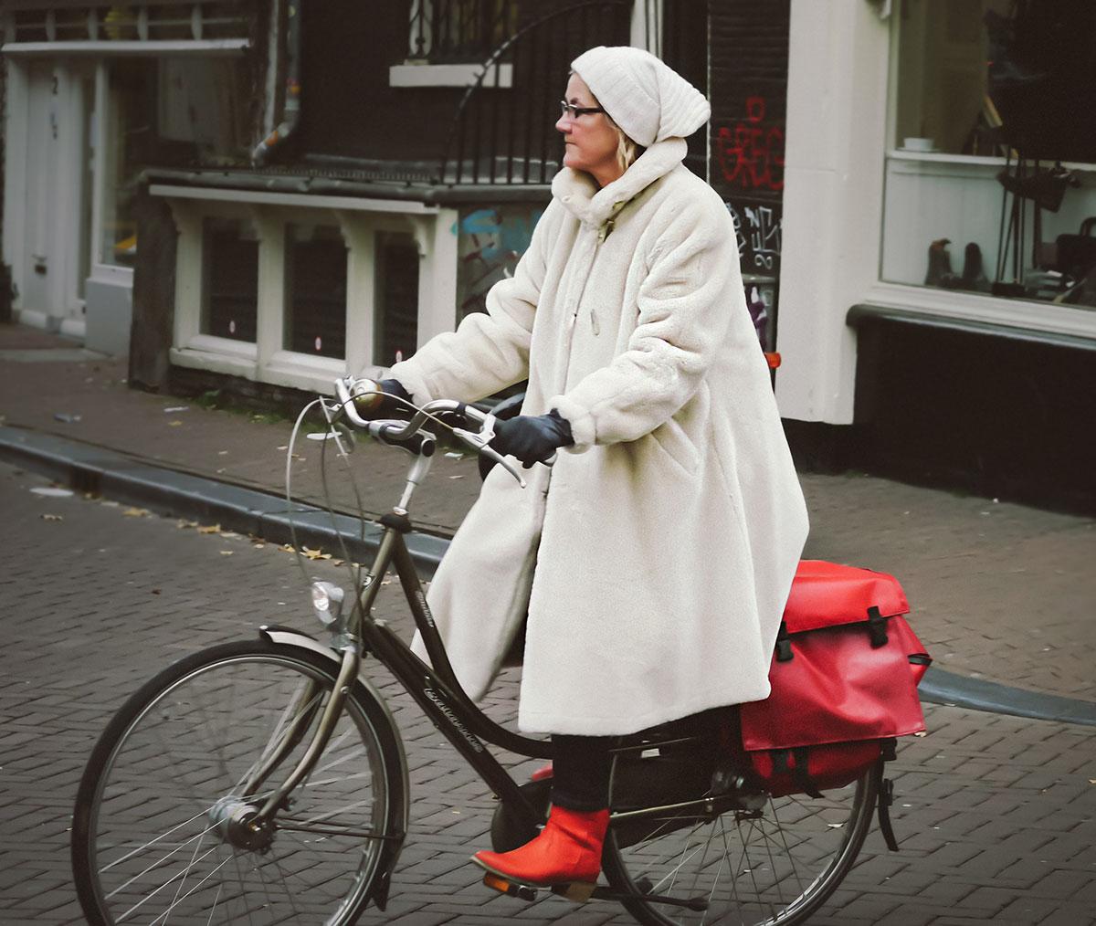 Snow cap | Bicycle Chic Amsterdam