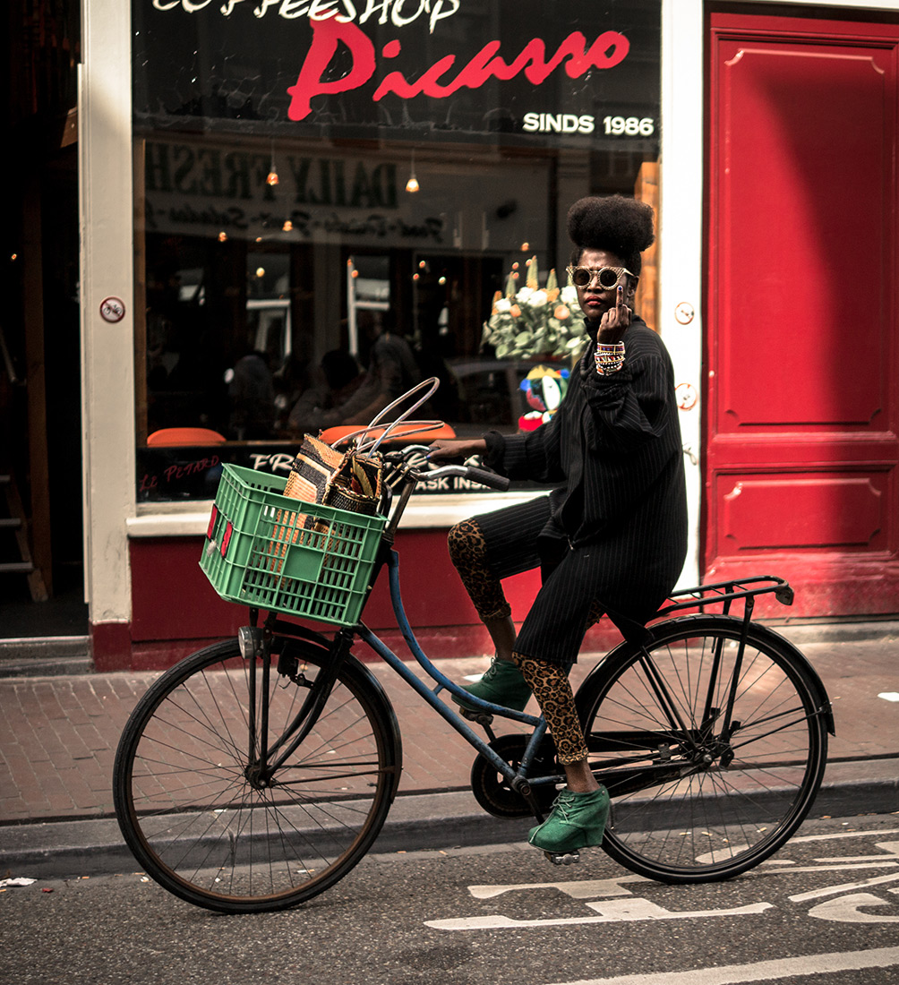 Red Finger Picasso | Bicycle Chic Amsterdam