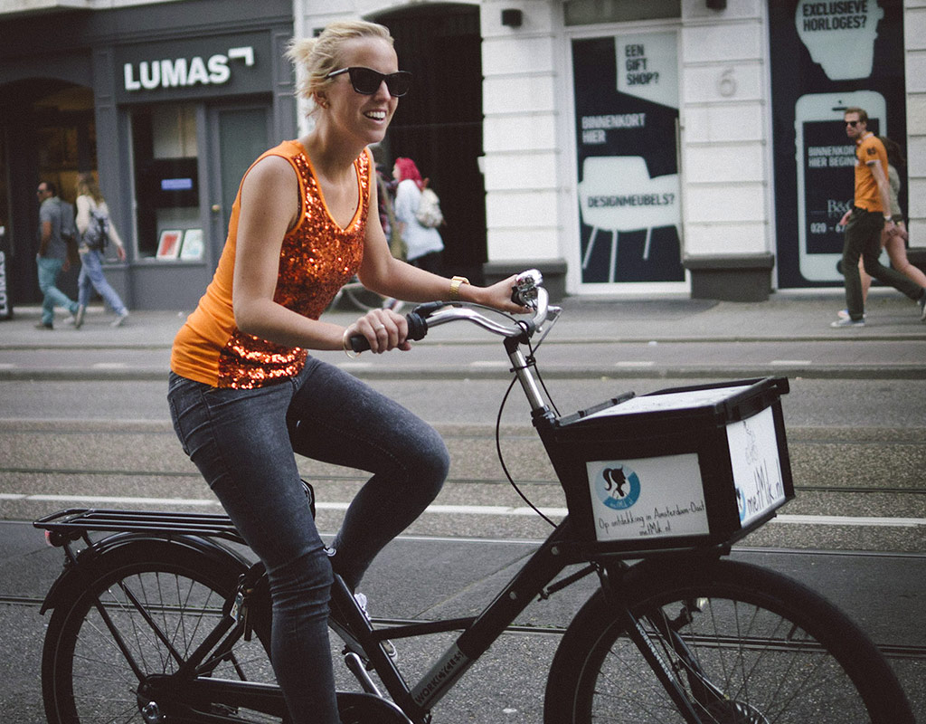 Oranje girl | World cup fever in Amsterdam