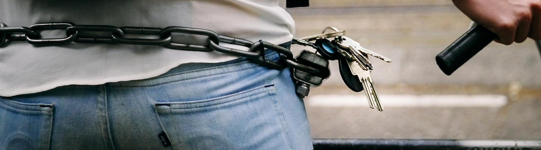 How to wear a bike lock