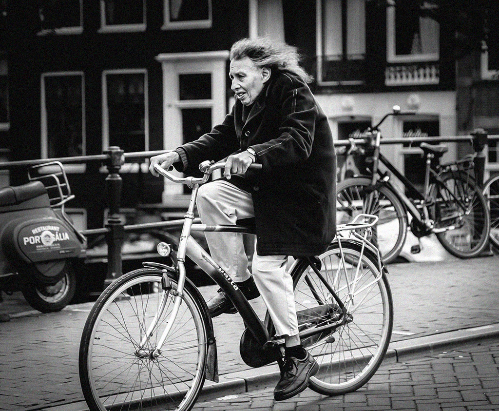 Gertrud | Bicycle Street Photography Amsterdam