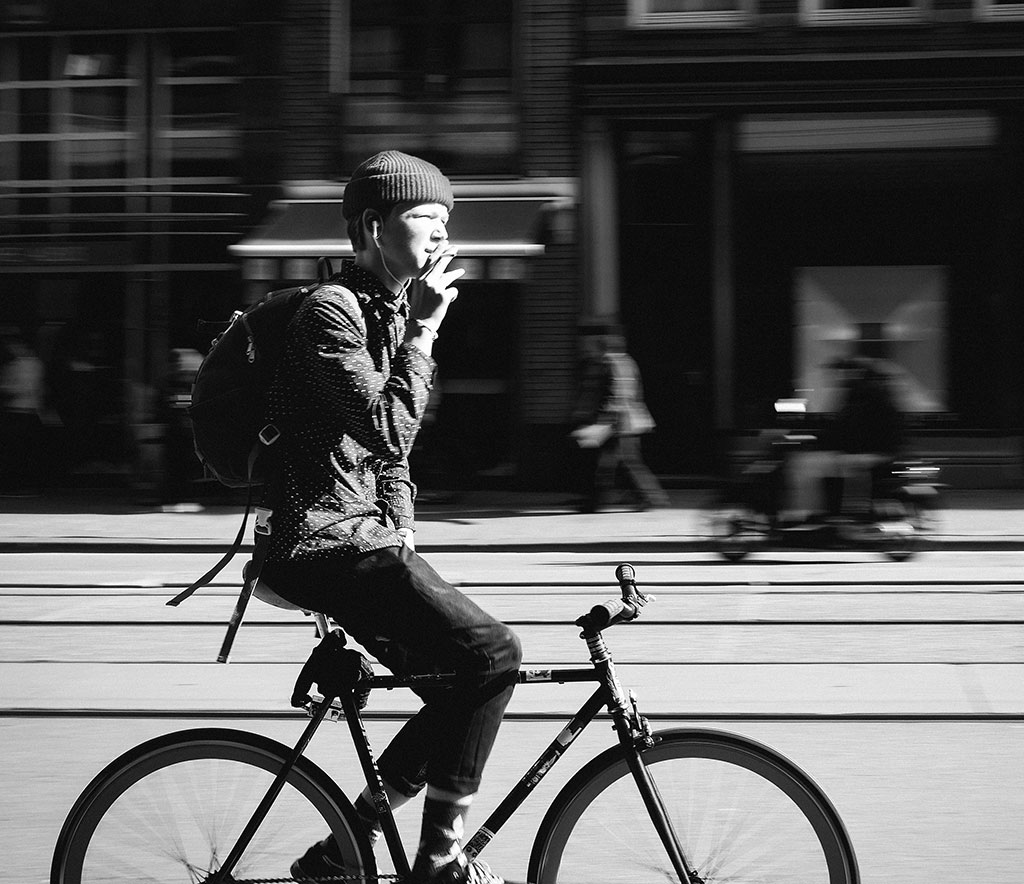 Bicycle Street Photography in Amsterdam | Fixie Drag