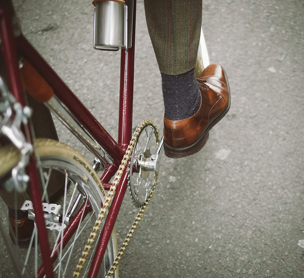 Pedal with bling