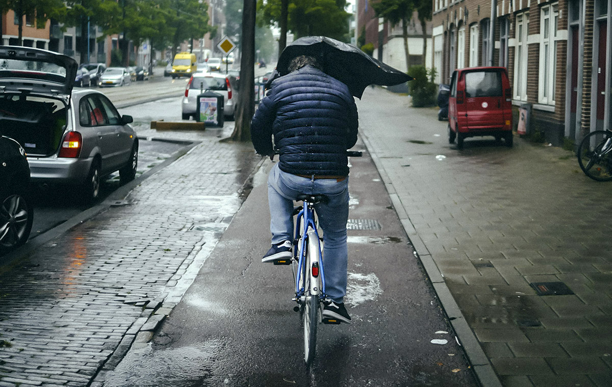 Rear View Wheel | Riding under cover in the rain