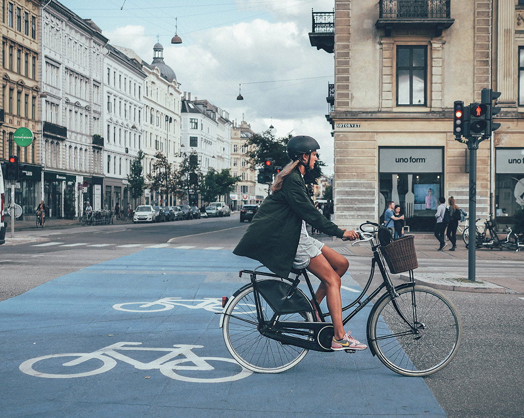 Wearing helmet in Copenhagen
