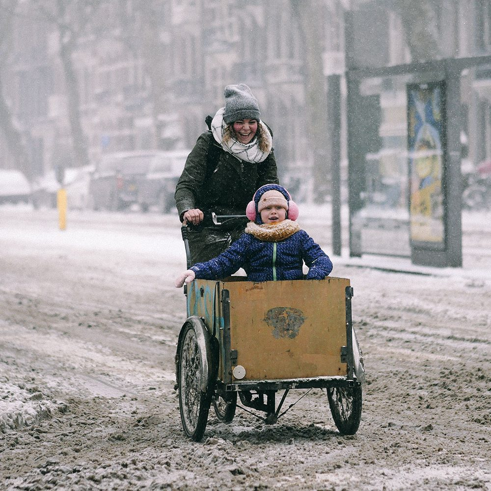 Bakfiets in the snow