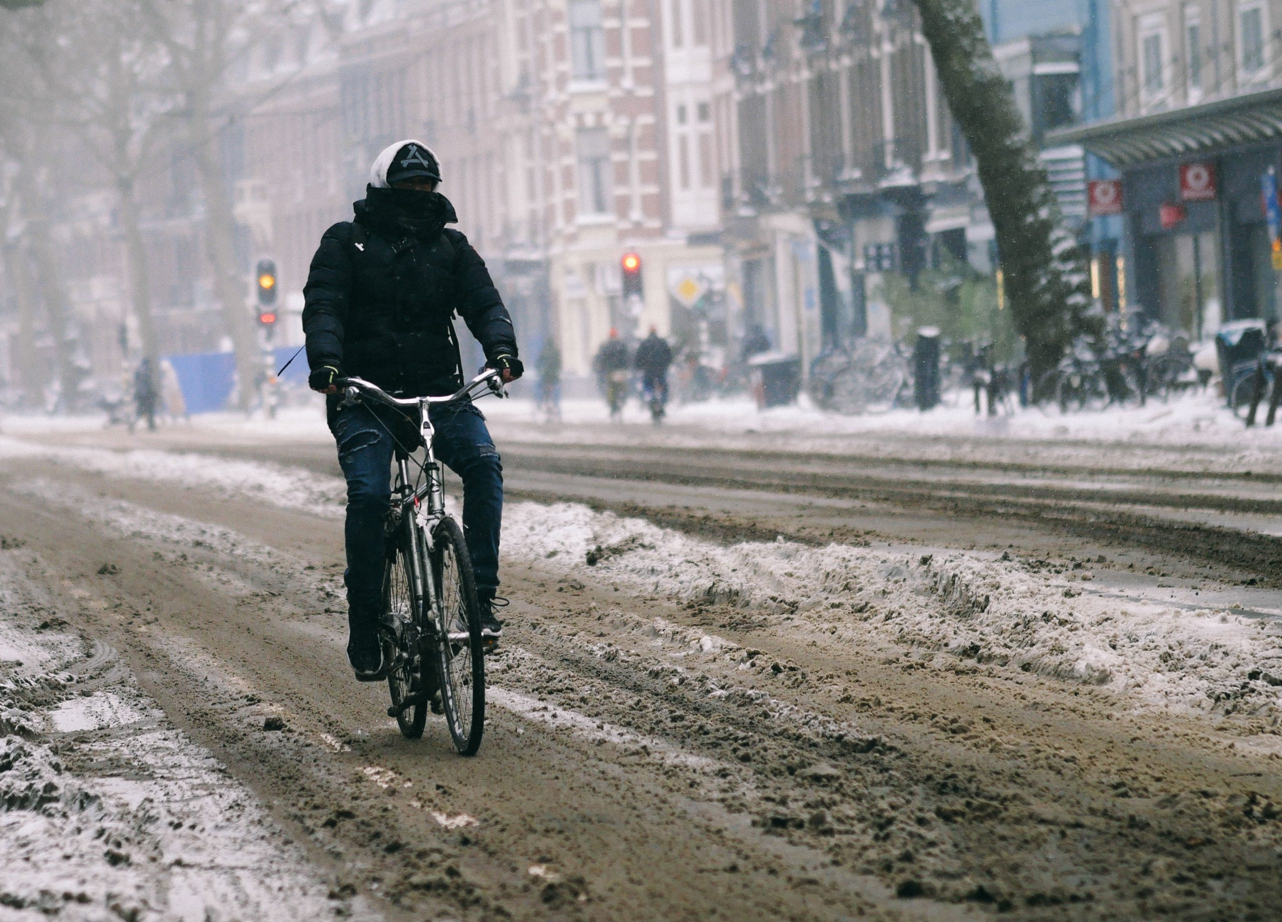 Snowstorm hits Amsterdam
