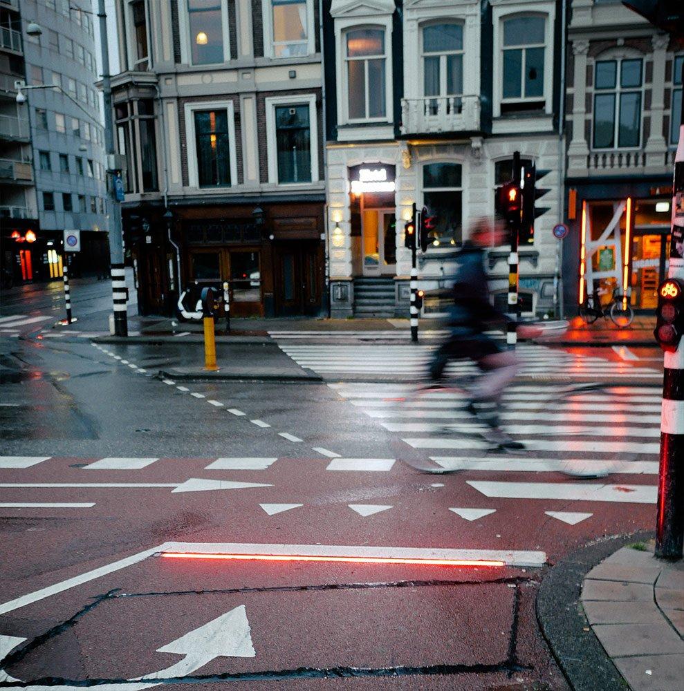 Red Light Bar installed on Ferdinand Bolstraat