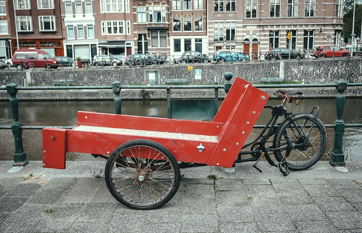 Flatbed cargo bike